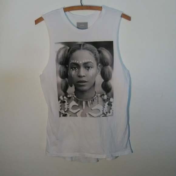 9e9f4a97a4e598 Beyonce Tops - BEYONCE Lemonade Cut-Off Top